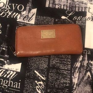 Michael Kors soft chestnut brown leather wallet